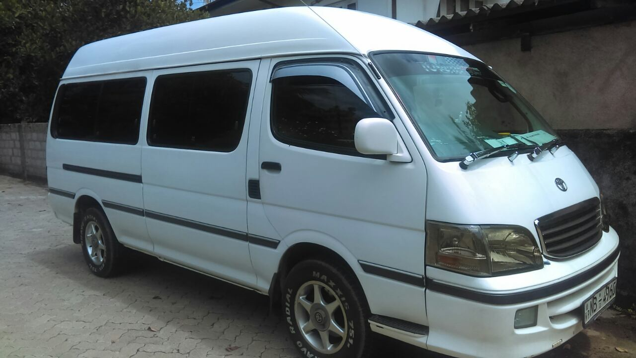 sri-lanka-roadtrip-van-3