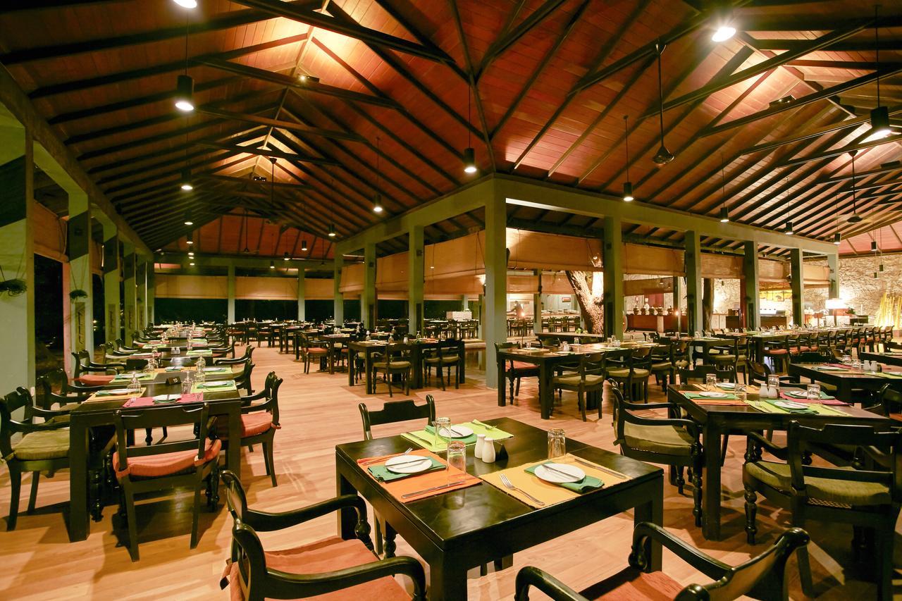 hotel sigiriya restaurant
