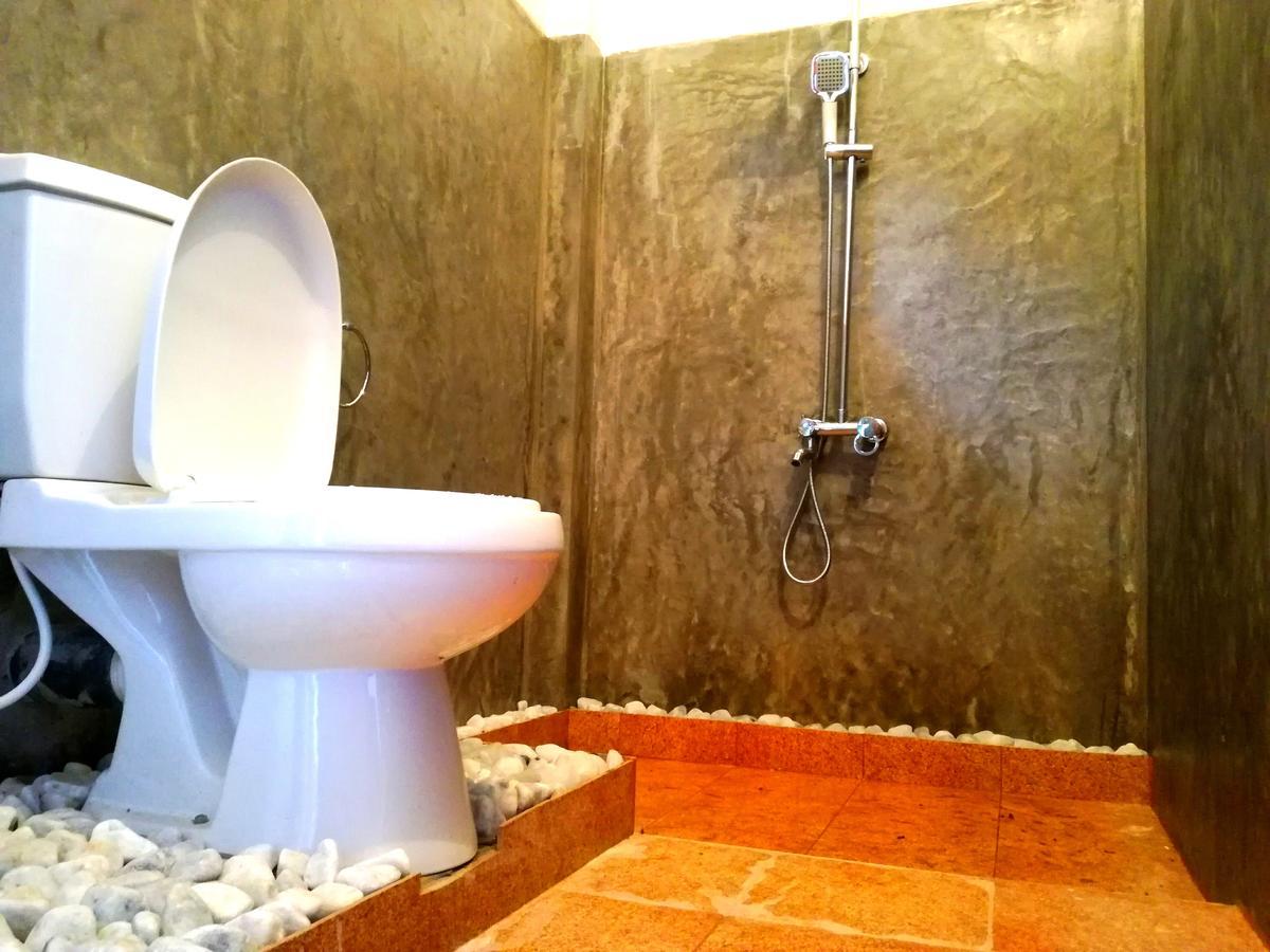 pearlview guesthouse ella bathroom