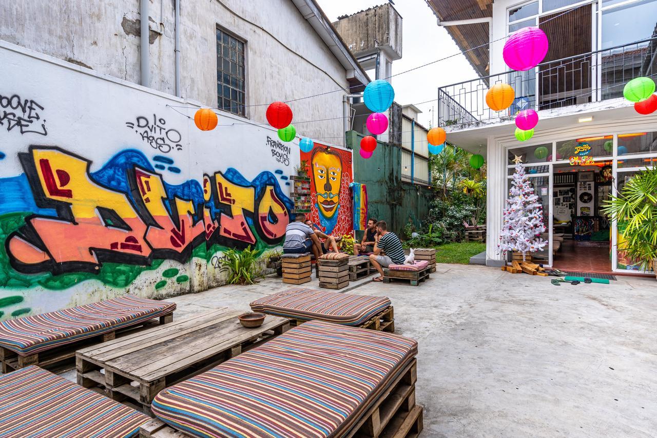 colombo groove house hostel garden