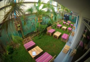 colombo-groove-house-hostel-outdoor