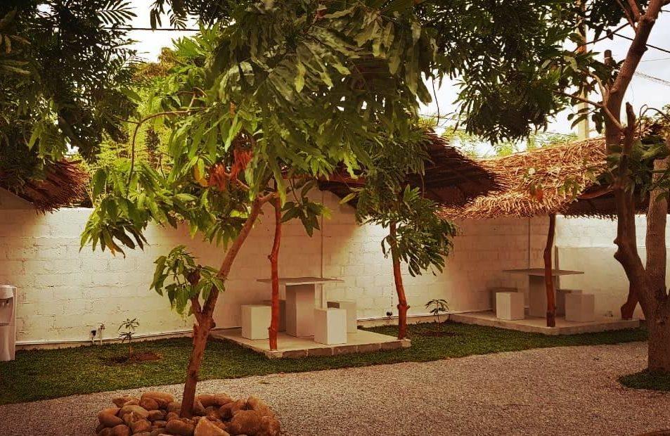dambulla-bedbox-hostel-outdoor