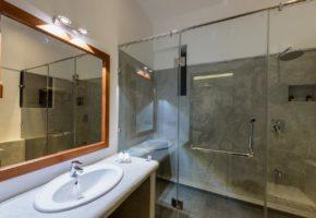 fern-colombo-hotel-bathroom