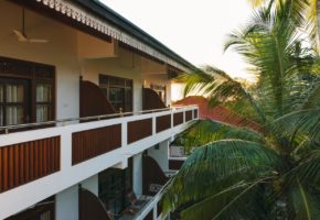 amal-beach-hotel-bentota
